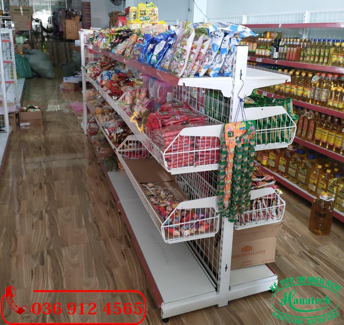 Giá kệ giỏ mì siêu thị