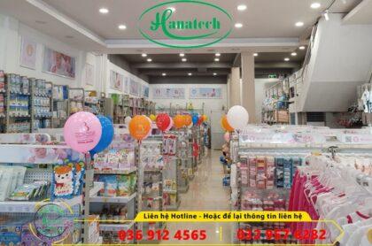 Giá kệ trưng bày cửa hàng mẹ và bé