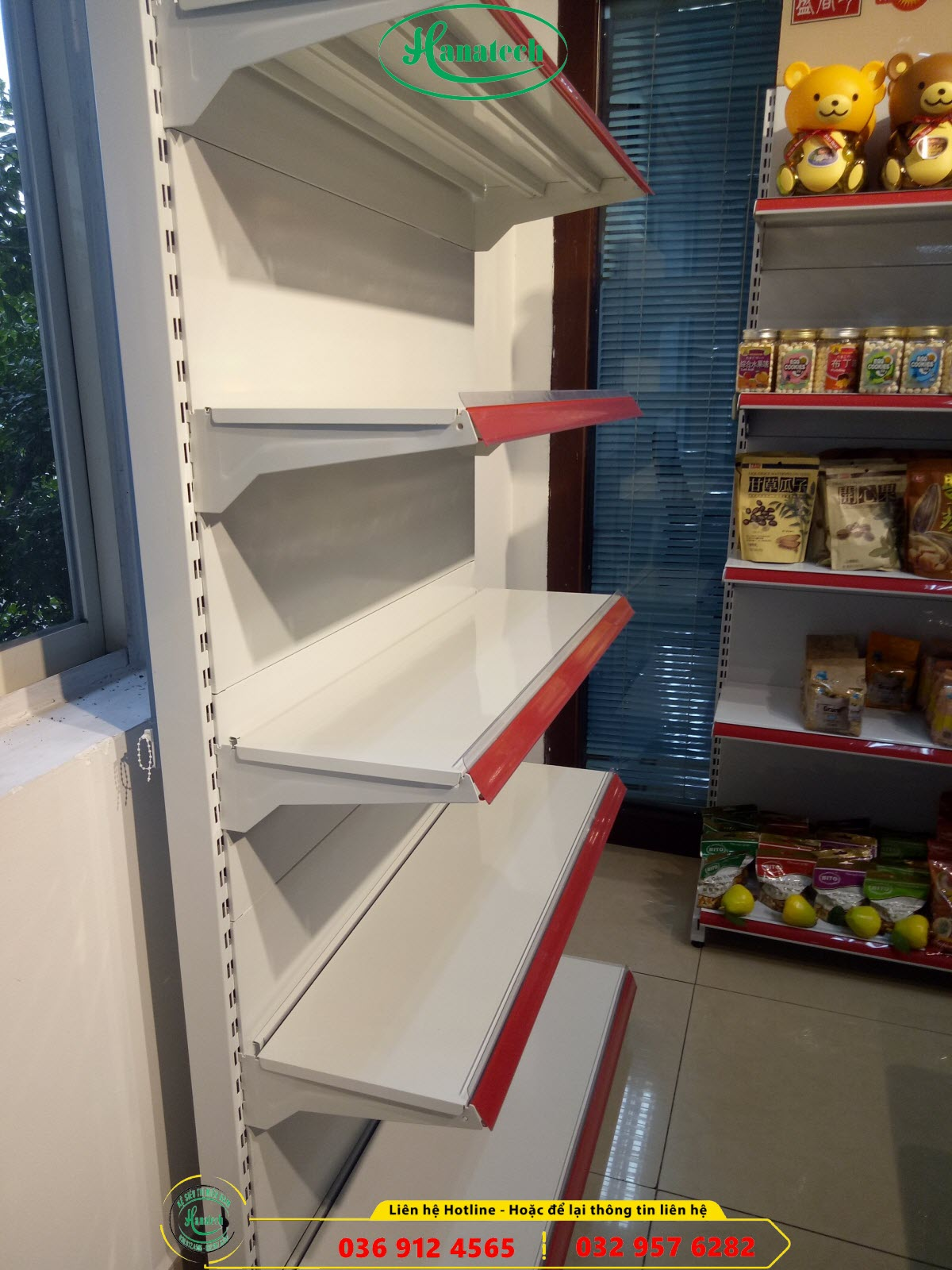 Giá kệ siêu thị đơn tôn liền áp tường