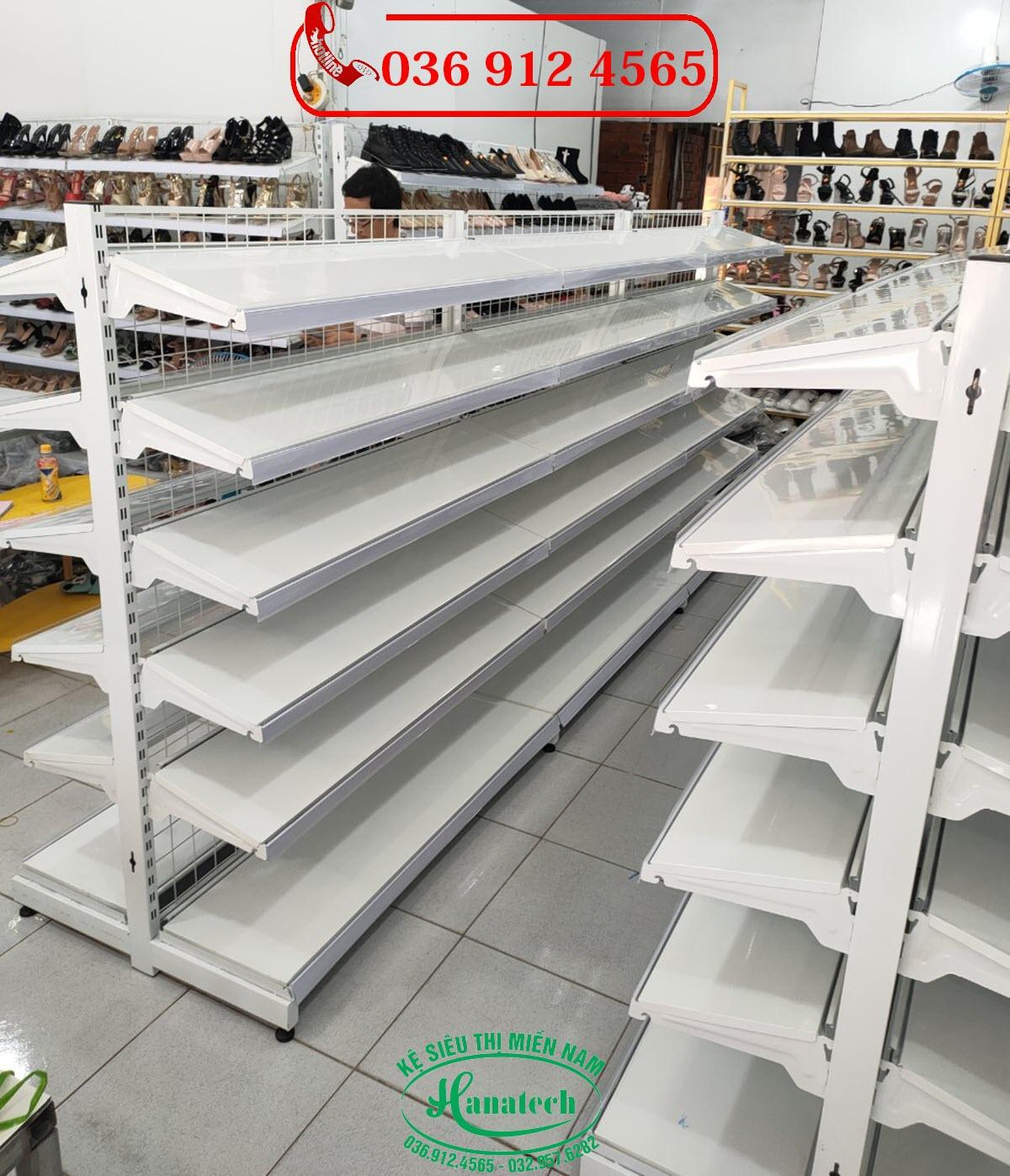 Giá kệ trưng bày giày dép tại Cần Thơ