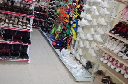 Kệ trưng bày giày dép tại Bình Dương