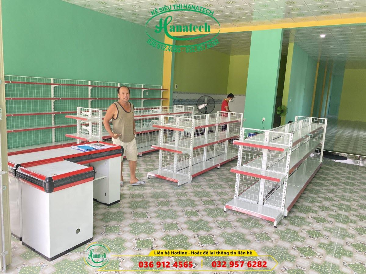 Kệ tạp hóa tại Bình Thuận