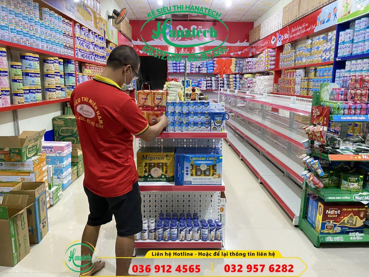 Kệ cửa hàng sữa tại Trảng Dài