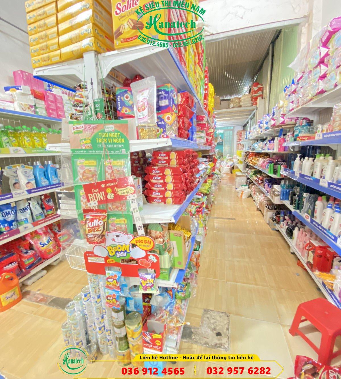 Kệ tạp hóa tại Thuận An